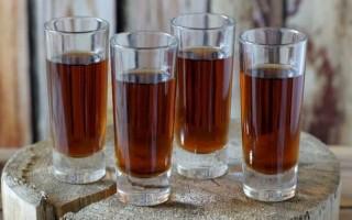 Настойка как алкогольный напиток: особенности и виды