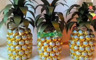 Мастер-класс по созданию ананаса из конфет и шампанского