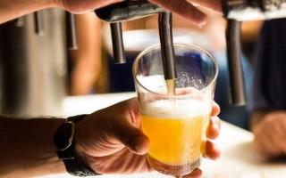 Как нужно правильно наливать пиво