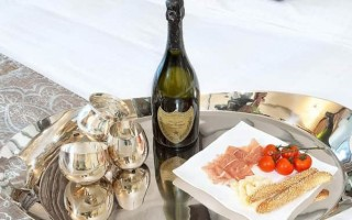 С чем пить шампанское и как закусывать