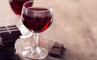 Красное полусладкое вино и его особенности