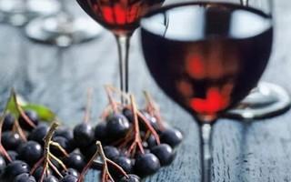 Как приготовить вино из черноплодной рябины в домашних условиях по простому рецепту
