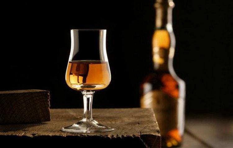 Так что же такое кальвадос и как его пить вы узнаете в нашей статье