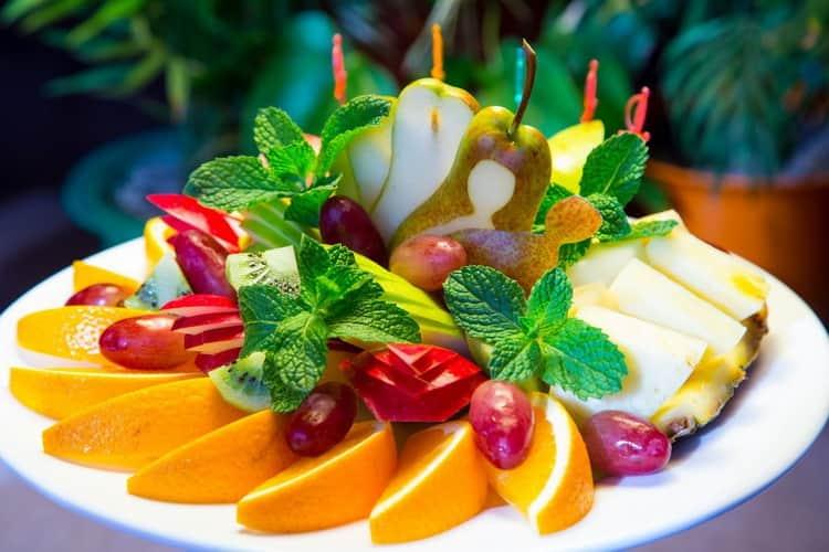 Можно ли подавать ментоловый ликер с фруктовой нарезкой