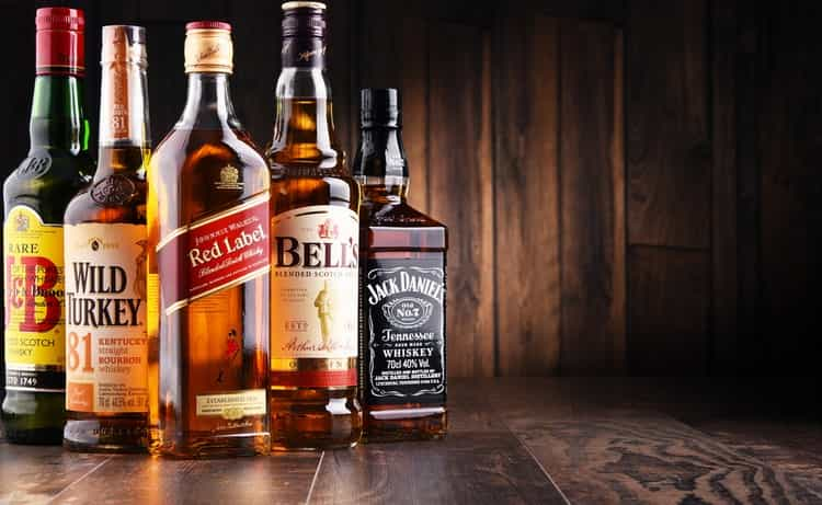 Кукурузный виски делится на несколько видов.