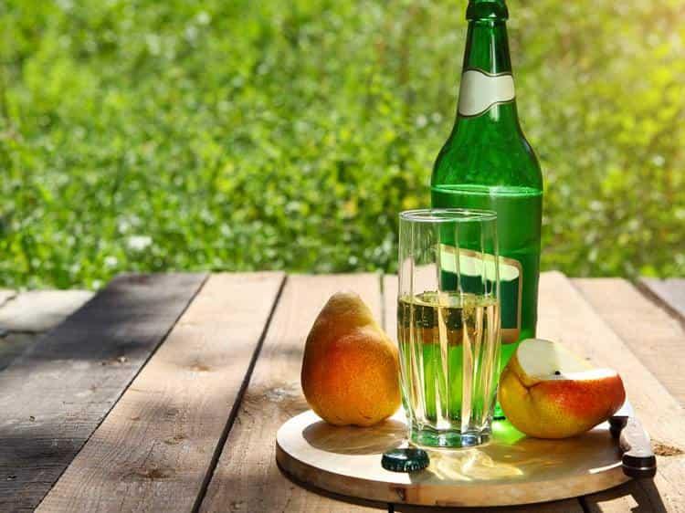 Грушевый сидр редко подделывают, поэтому существует большая гарантия приобрести оригинальный напиток.
