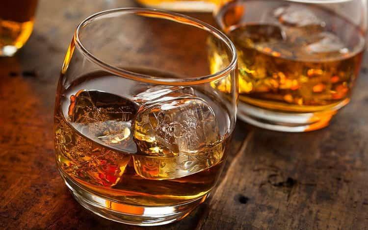 Смотрите что такое бурбон и как его пить