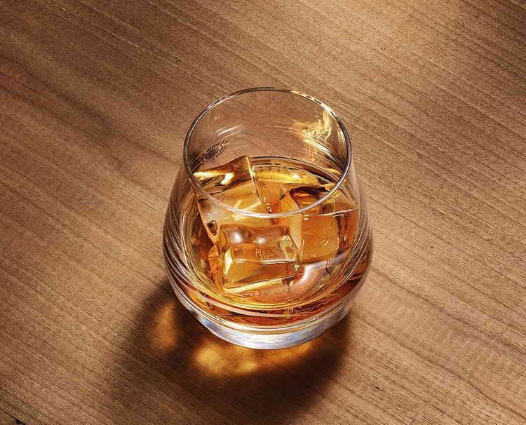 Как правильно пить виски Glenlivet 12