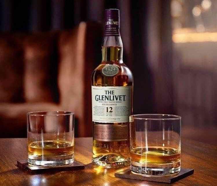 Как правильно подавать виски Glenlivet 12
