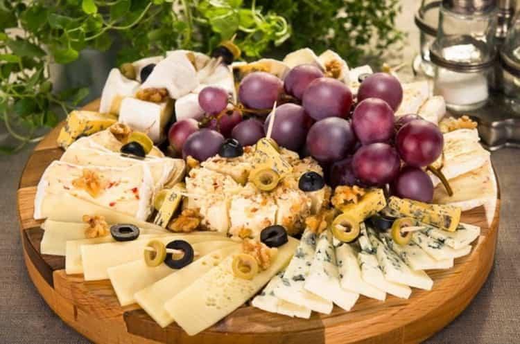 Кальвадос в домашних условиях из самогона подается с сыром
