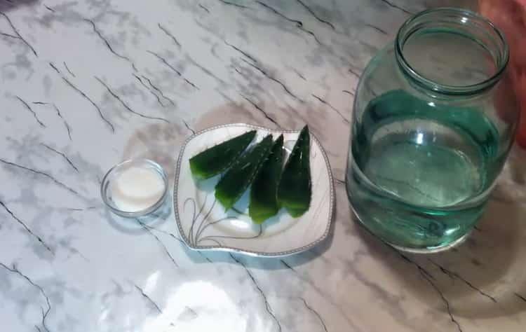 По рецепту для приготовления текилы в домашних условиях. подготовьте ингредиенты