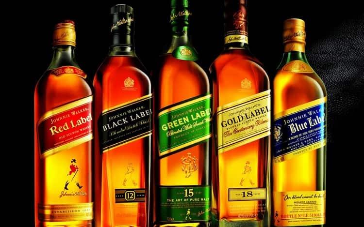 Виски Джонни Уокер предлагает широкую линейку напитков для опытных дегустаторов этого напитка и для начинающих.