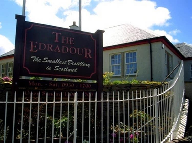 Виски Эдраду производится на самой маленькой в Шотландии винокурне.