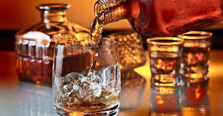 В каких бокалах подавать виски джонни уокер блю лейбл