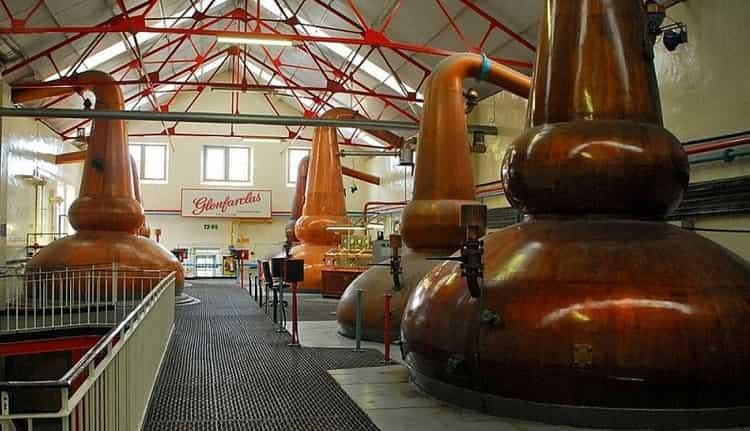 А так выглядит винокурня Glenfarclas.