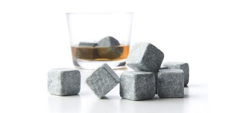 Не лишними при дегустации виски станут и специальные камни или же лед.