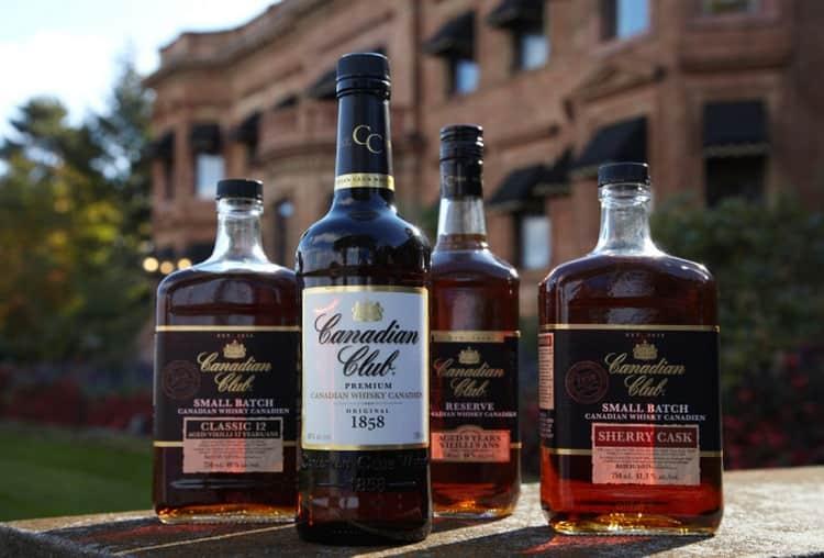 Очень популярным виски является также Canadian Club.