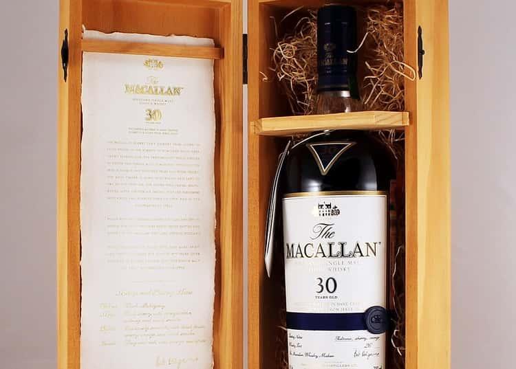 Макаллан 30 лет выдержки обладает сложным неповторимым ароматом.