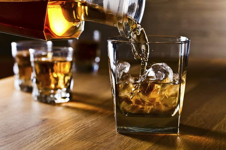 Как подавать хибики виски