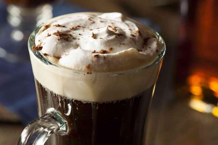 кофе с виски и молоком