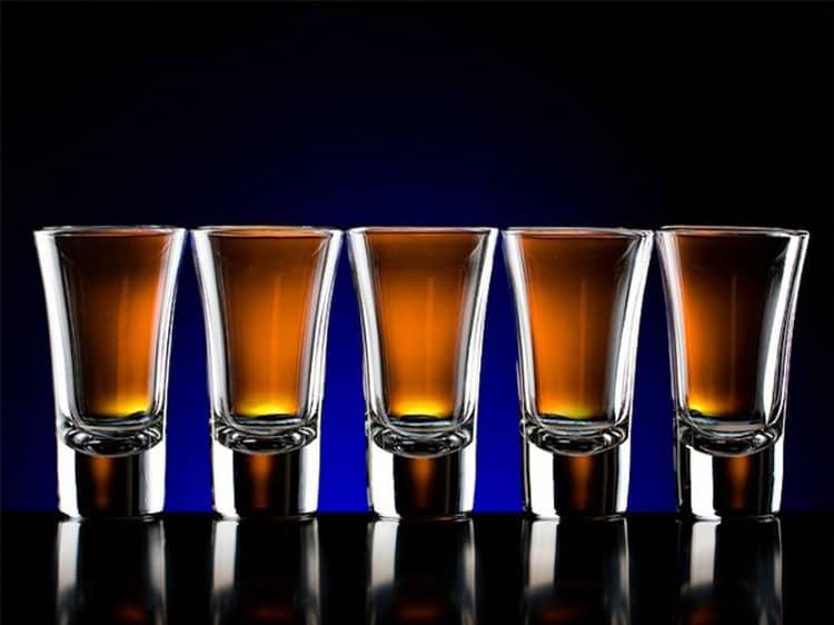 Сколько это грамм, двойной виски, зависит от того, в какой стране вы находитесь.