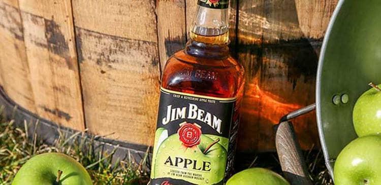 Яблочный напиток скорее ближе к ликеру, нежели к виски.
