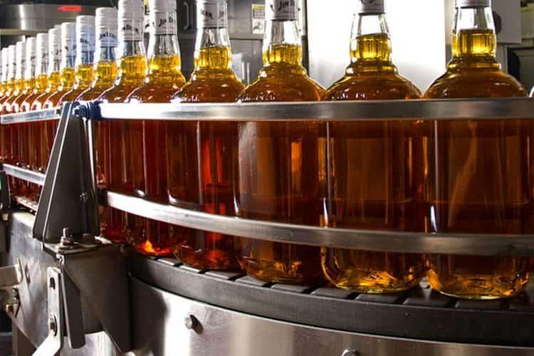 Конечным этап производства, конечно же, является разлив напитка в бутылки.