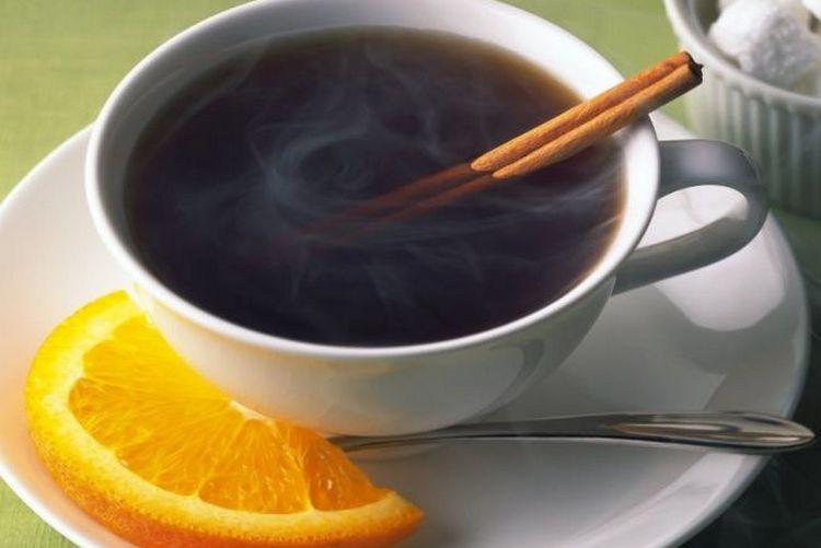 Кофе с ромом по такому рецепту понравится любителям пряностей.