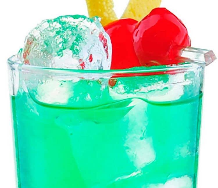 Узнайте классический состав коктейля Зеленая фея.