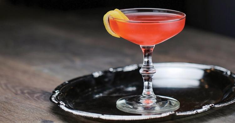 Опробуйте наши рецепты и приготовьте вкусные коктейли с бренди в домашних условиях.