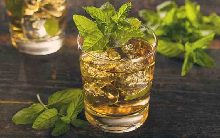 А для любителей мятного аромата предлагаем такой коктейль.