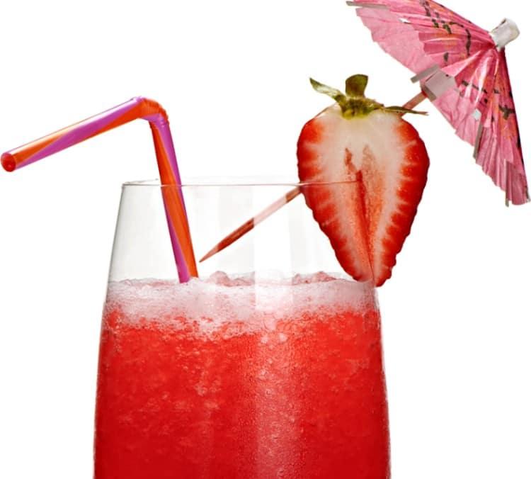 Оригинальным получается коктейль со взбитым белком и чачей.