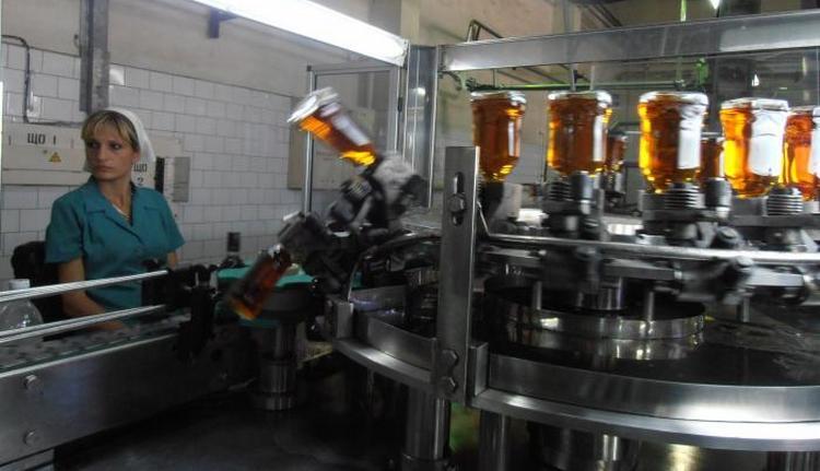 Производство коньяка Крым Бахчисарай 5 звезд автоматизировано, на заводе современное оборудование.
