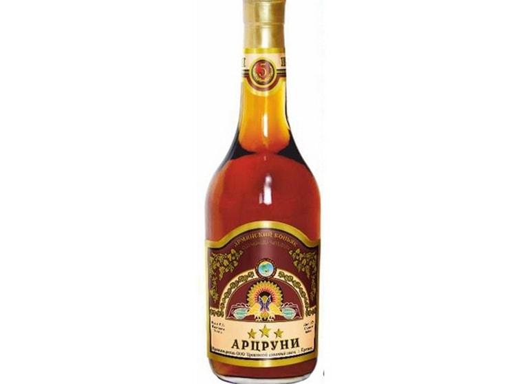 Коньяк Арцруни является достойным представителем армянских алкогольных напитков.