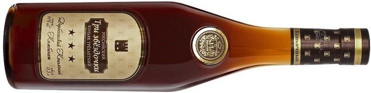 Коньяк Дербент 3 звезды это самый молодой напиток линейки.