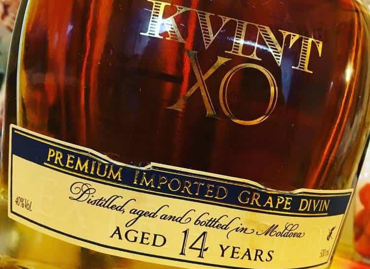 Коньяк Квинт, выдержанный 14 лет, является одним из самых зрелых купажей, представленных производителем.