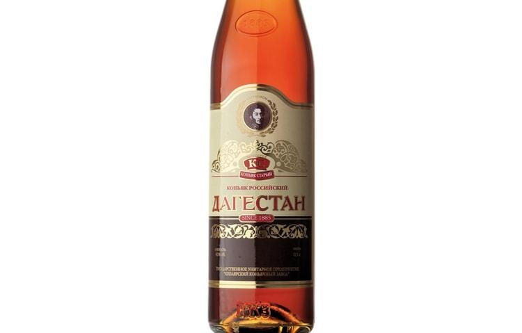 Коньяк Дагестан обладает очень богатым букетом.