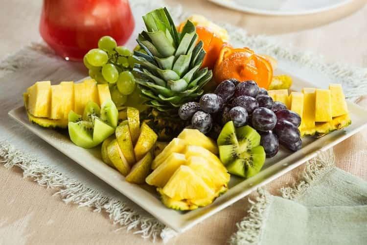 Хорошей закуской к такому коньяку будут фрукты, все, кроме цитрусовых.