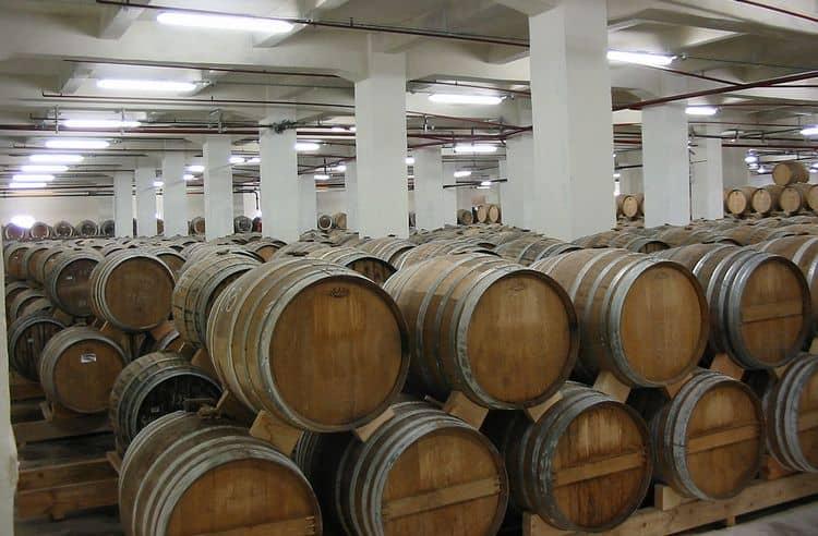 Завод-производитель элитного напитка работает с 1887 года.