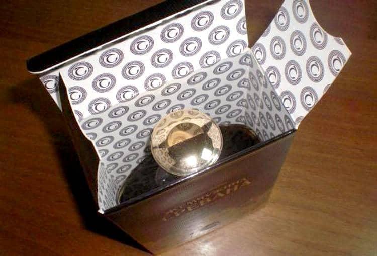 Оригинальный напиток всегда продается в фирменной упаковке.