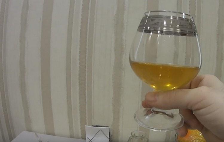 Коньяк по-латгальски из самогона можно легко приготовить в домашних условиях по такому рецепту.