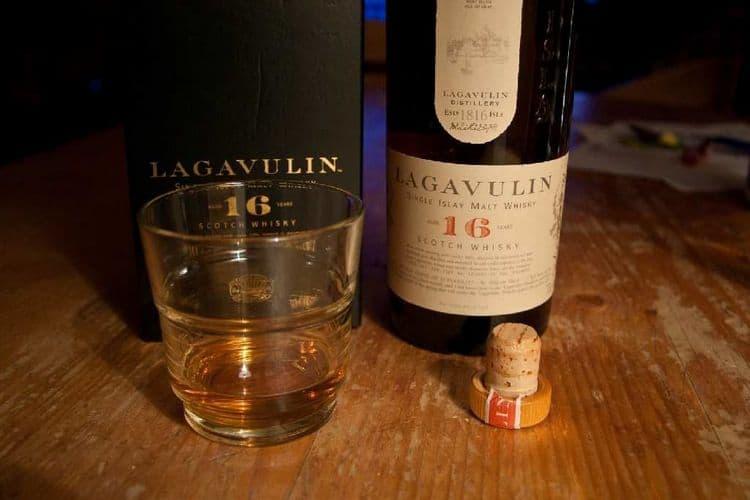 Lavagulin 16 это действительно элитный дорогой виски.