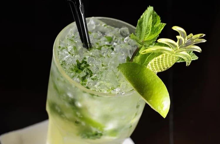 Узнайте простой алкогольный рецепт мохито в домашних условиях.