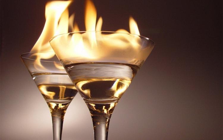пылающий ламборджини это взрывной коктейль с самбукой и абсентом
