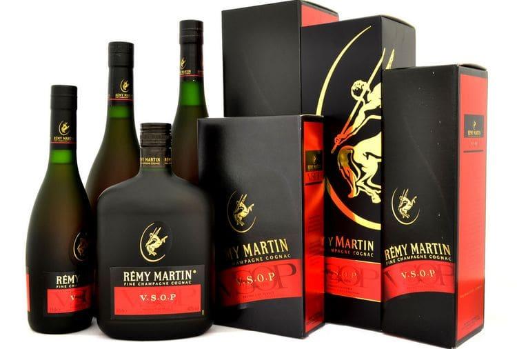 Важно знать, как отличить подделку от оригинального коньяка Реми Мартин.