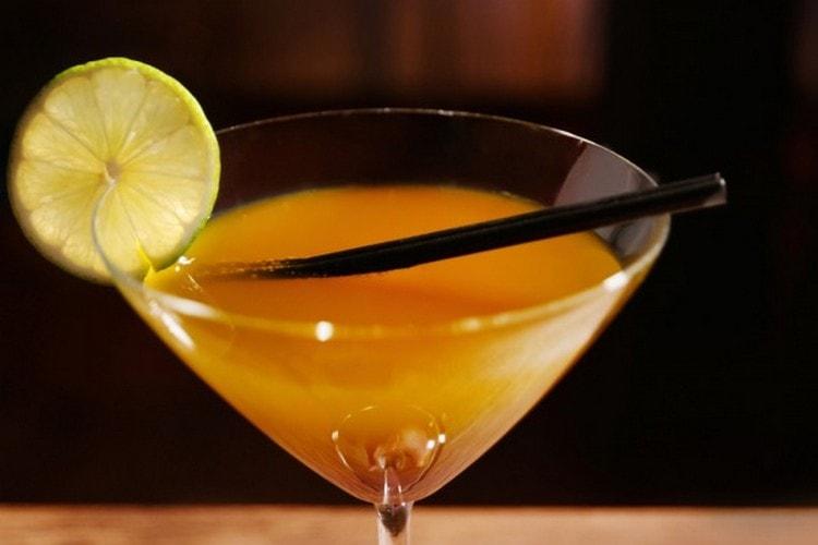 Хотя этот напиток и сам по себе идеален, его все же можно использовать для приготовления коктейлей.