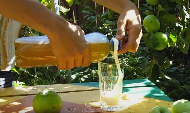 теперь вы знаете, как сделать сидр из яблок в домашних условиях.