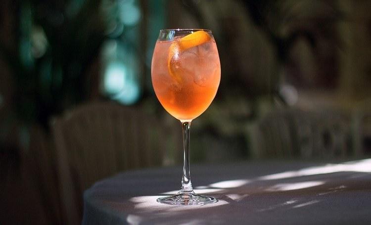 Эти вина можно использовать и для приготовления оригинальных коктейлей.