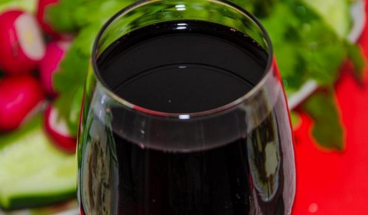 Подавать вино Алаверди лучше всего при температуре 16-18 градусов.