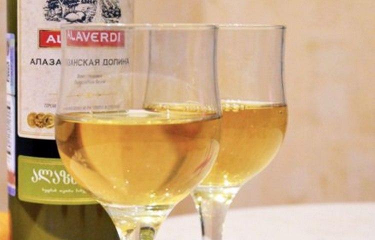 Вино Alaverdi это достаточно широкая линейка изысканных напитков.